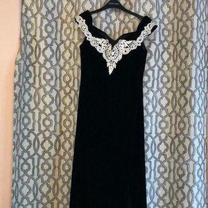 Vintage Black Velvet Nu Mode Dress - Size 8